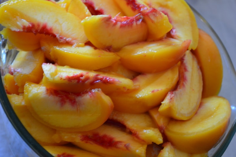peaches sliced