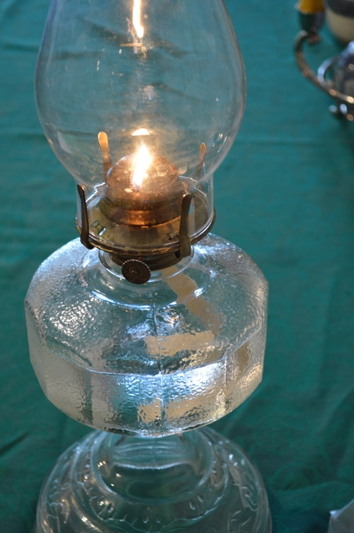 How to clean an oil lamp 6