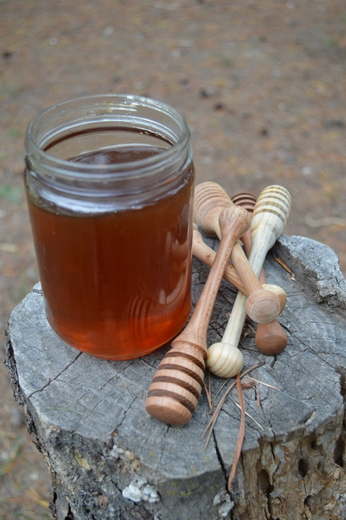 honey pot and honey spurtle