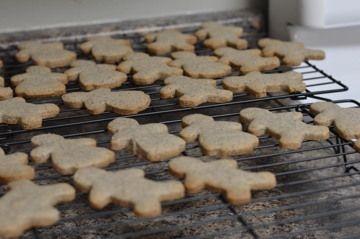 Everyone DIYer needs strong steel cookie sheets