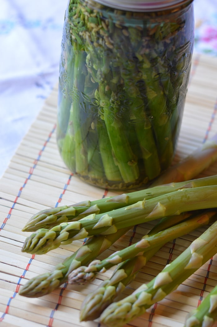 This recipe will give you tangy pickled asparagus with a crunch.  Crunchy, lacto-fermented asparagus is a better filling for fancy tea sandwiches and a nicer addition to the pickle tray.  This is what asparagus was made for.
