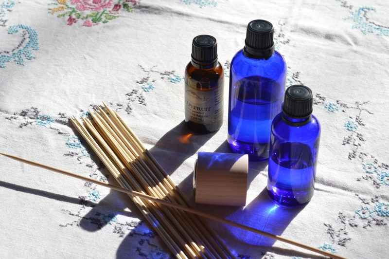 In summer the gross smells seem to hang around a little longer. The more hot and humid it is the more off-smells seem to cling. But don't grab the toxic solid air fresheners or sprays. Instead make a reed diffuser and freshen indoor air with natural botanical essential oils. You can make one in less than 5 minutes.