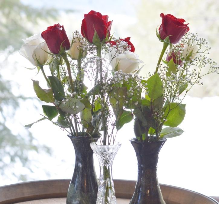 Create 4 Diy Floral Arrangements From A Single Rose Bouquet