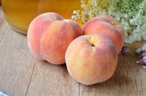Easy Peach Mead Recipe with Summer Roses and Elderflowers