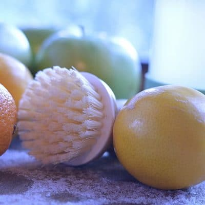 DIY Fruit and Vegetable Wash to Get Rid of 97% of Pesticide Residues