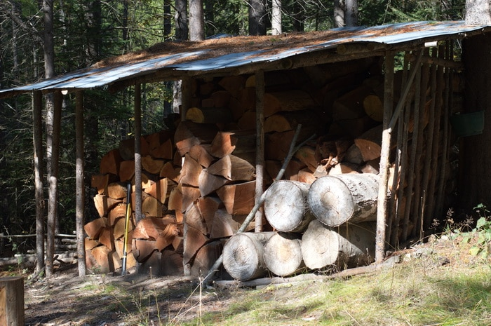 Firewood storage can be as much art as science, and these 4 storage ideas will work no matter how big or small your woodpile.
